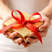 آداب خاص هدیه دادن مردم در کشورهای مختلف